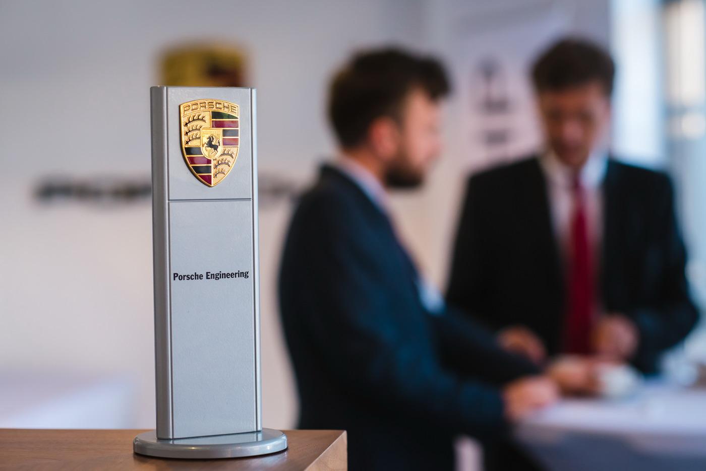 Fotografie Corporate – Deschidere filiala Porsche Engineering Group in Cluj-Napoca